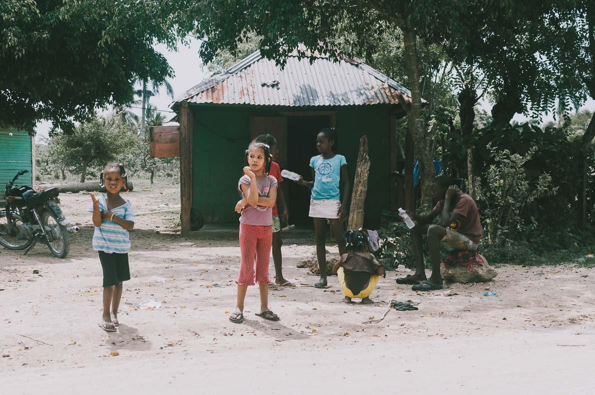 Punta-Cana-podroz-poslubna dzieci dominikanskie