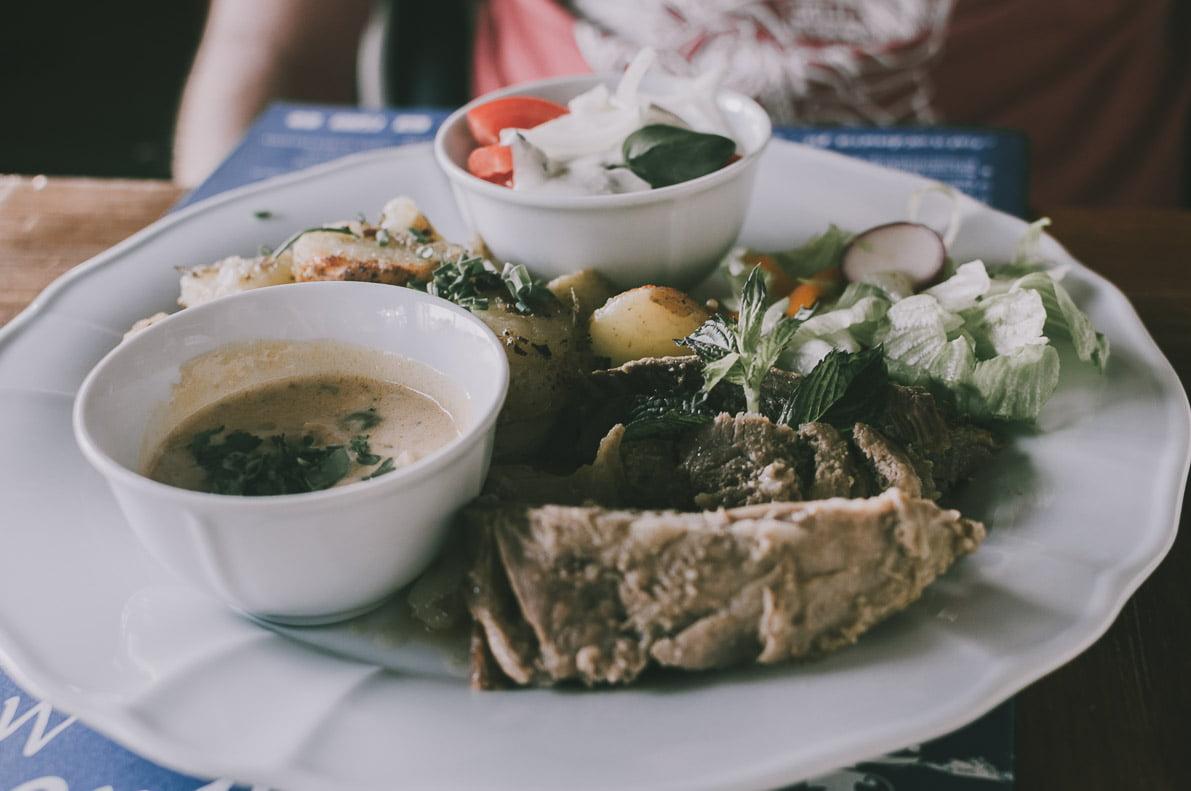 Bieszczady-kulinarnie Chata Wędrowca