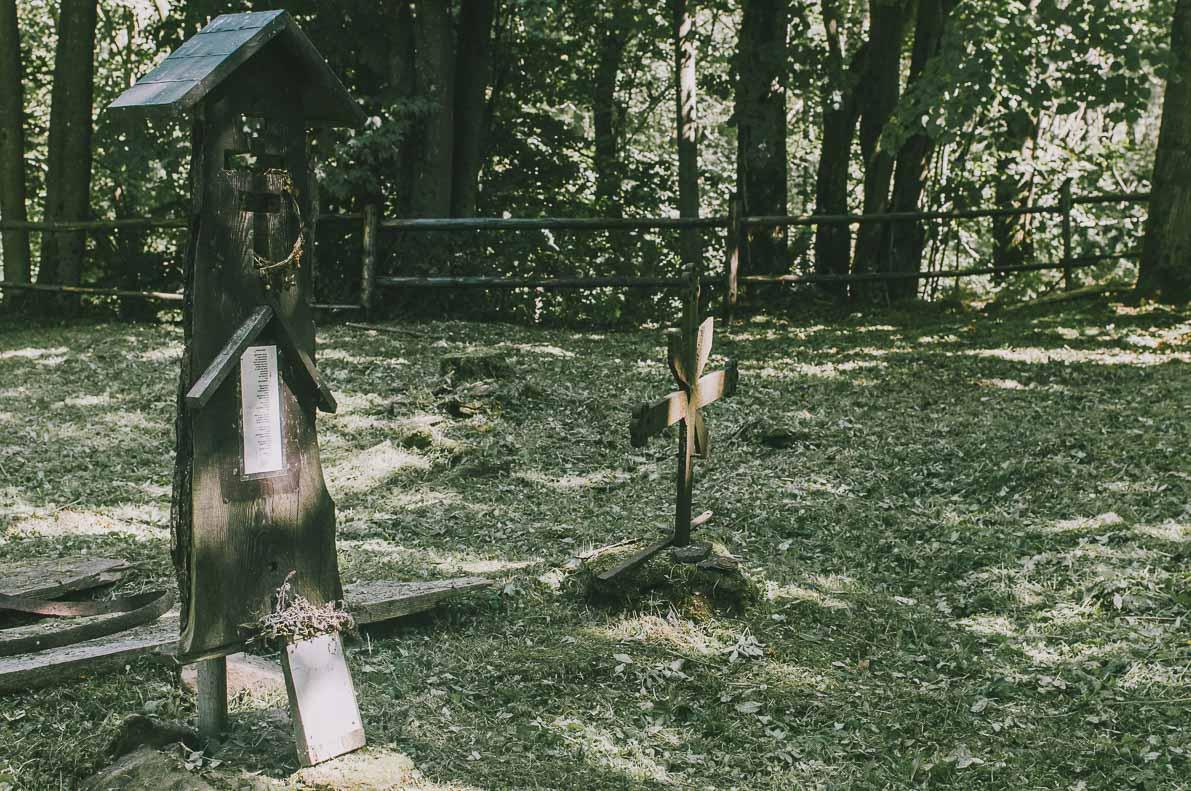 Dlaczego-warto-pojechac-w-Bieszczady Stary Cmentarz