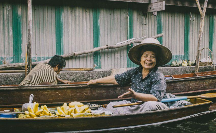 Floating-market-Damnoen-Saduak-Amphawa