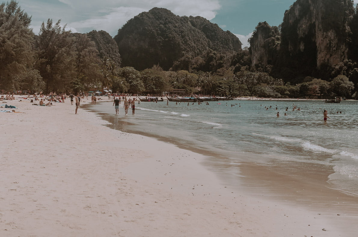 Wyspy-plaze-Tajlandii RAILAY BEACH
