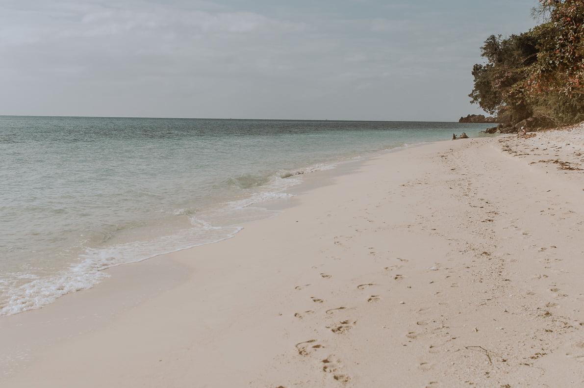 Wyspy-plaze-Tajlandii Koh Kradan plaża