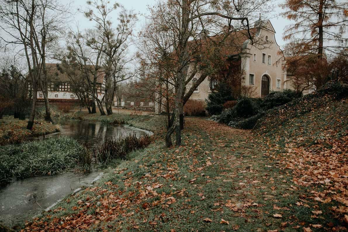 Palac-i-Folwark-Galiny Park
