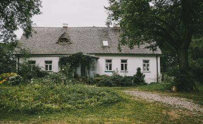 Dwór Łumbie – sielska agroturystyka na Suwalszczyźnie