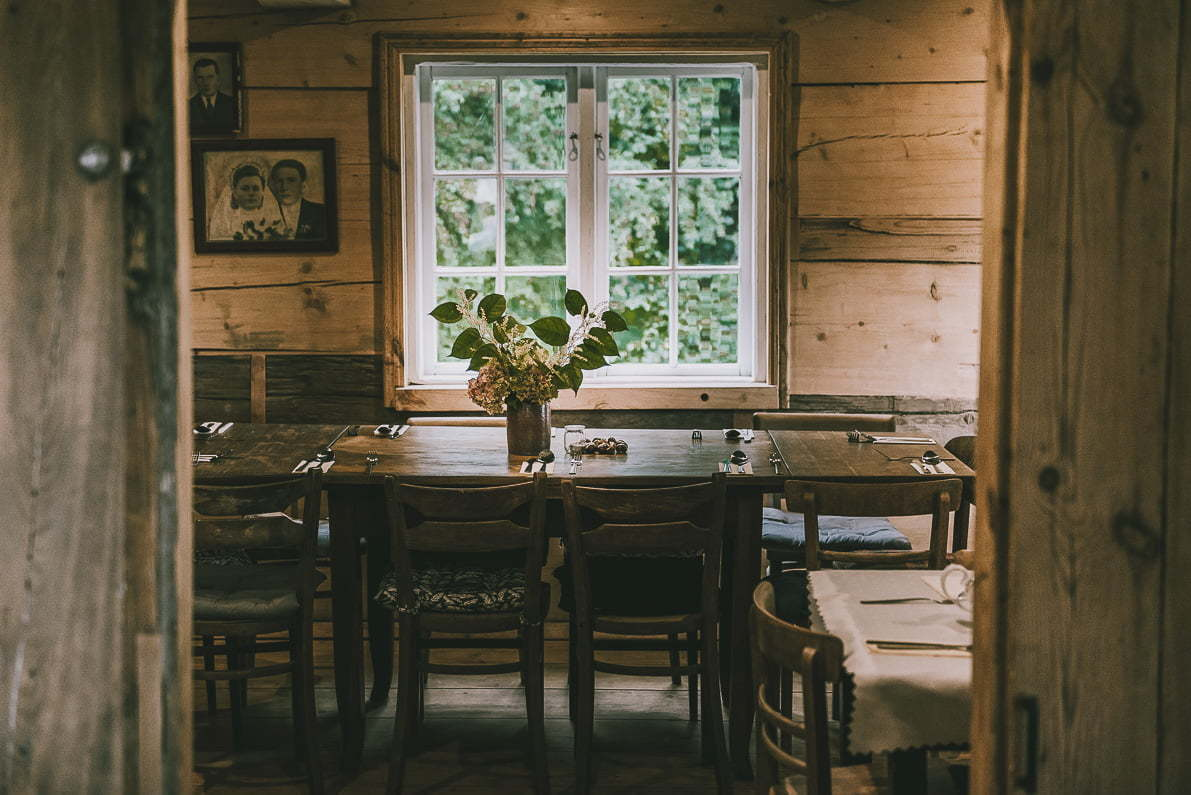 Żuławy Wiślane – szlakiem domów podcieniowych, mennonitów iholenderskich wiatraków.